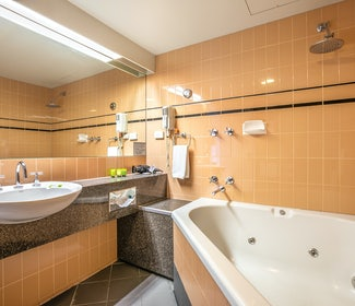 Mount Evelyn studio spa queen accommodation nightcap at York on lilydale