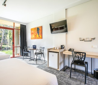 main room studio twin queen Mount Evelyn accommodation nightcap at York on lilydale