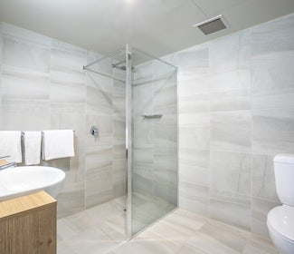 Ensuite Bathroom in Studio Queen at Nightcap at York on Lilydale