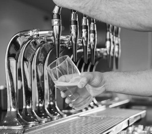 Royal Park accommodation specials free drink hendon hotel nightcap
