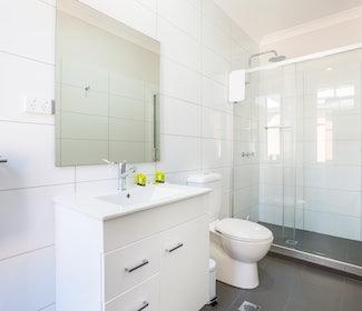 Ensuite Bathroom in Studio Queen at Nightcap at Regents Park Hotel