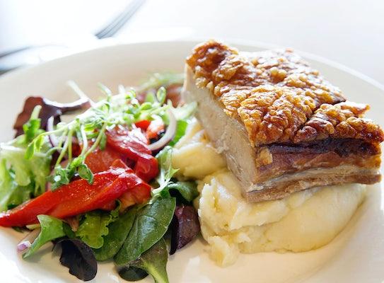 braybrook accommodation restaurant ashley hotel nightcap