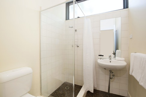 Ensuite Bathroom at Nightcap at High Flyer Hotel