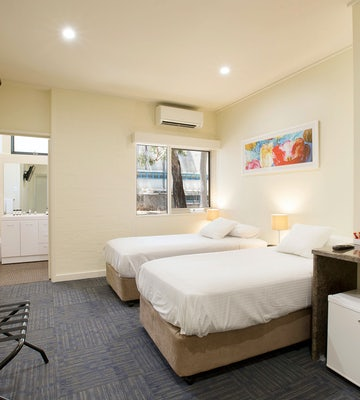 condell park accommodation bedroom side view 3 nightcap at high flyer hotel