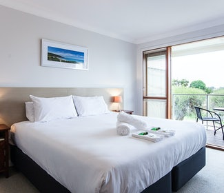 busselton accommodation nightcap at the ship inn one bedroom apartment with balcony