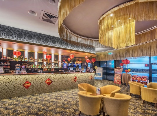 buddina accommodation restaurant kawana waters hotel nightcap
