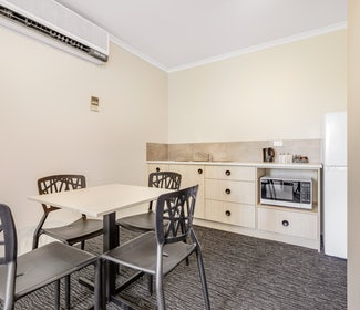 Kitchenette in Studio Apartment at Nightcap at Findon Hotel