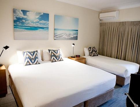 hervey bay accommodation studio king and single bedroom kondari resort nightcap