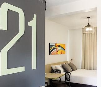 Emerald accommodation studio queen Emerald Star Hotel Nightcap
