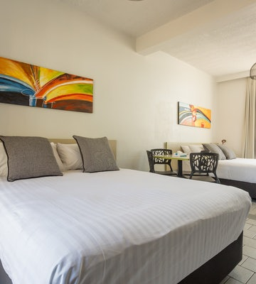 Emerald accommodation two bedroom  Emerald Star Hotel Nightcap