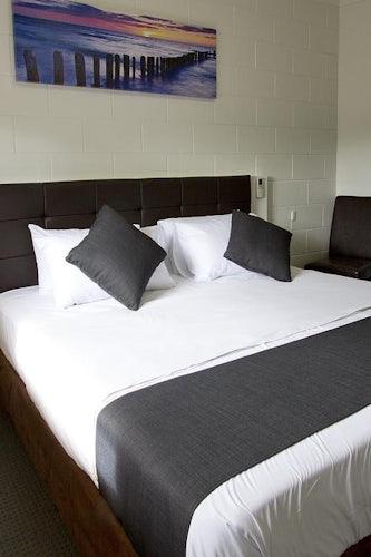 Royal Park accommodation hendon hotel nightcap