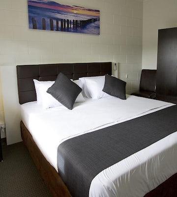 Royal Park accommodation studio king hendon hotel nightcap